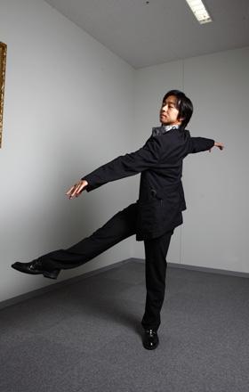 法村圭緒(ほうむら・よしお)大阪生まれ。バレエダンサー