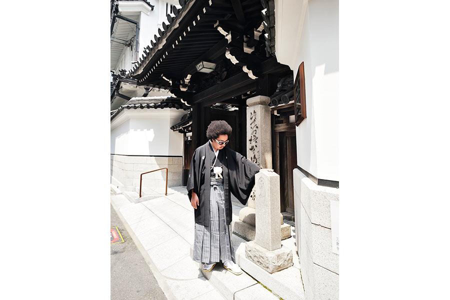 大阪のメインストリート・御堂筋沿いにある「三津寺」近くにて