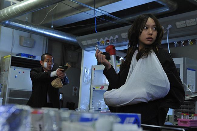 © 2013「劇場版 SPEC 結 漸ノ篇」製作委員会 © 2013「劇場版 SPEC 結 爻ノ篇」製作委員会