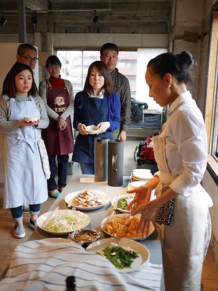 キュイエール料理教室を主宰する料理家・平山由香さん