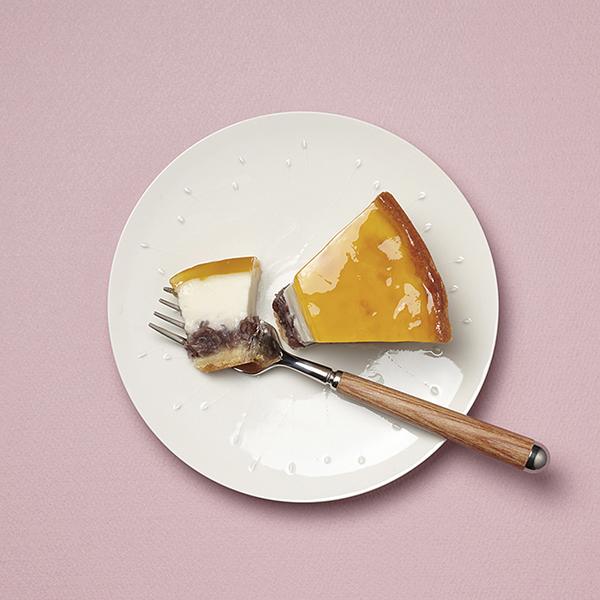 [デリチュース]の餡入りのチーズケーキ1カット・395円