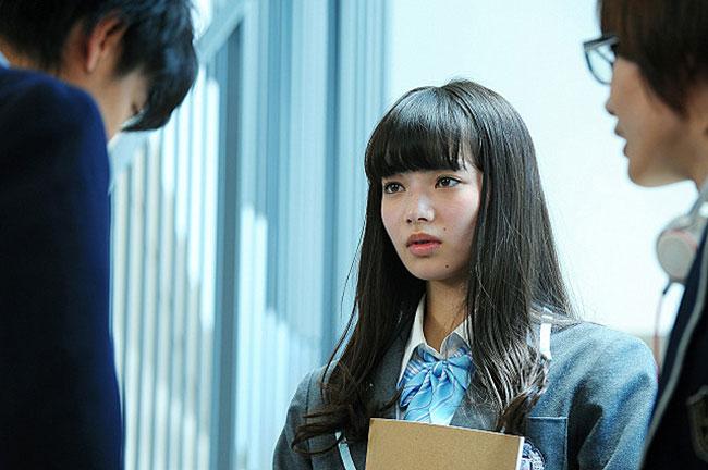 ヒロイン・亜豆美保を演じるのは小松菜奈 © 2015 映画「バクマン。」製作委員会