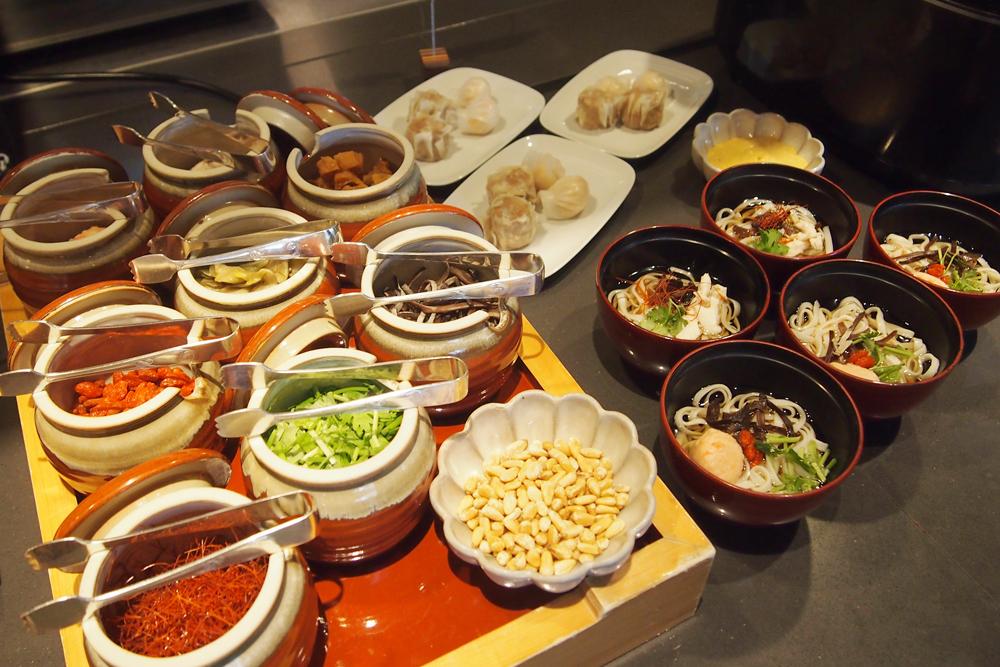 アジアンヌードルのフォーや和食も