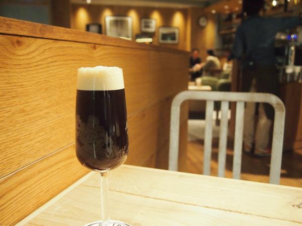 ビールのように注ぐアイスブリュードコーヒー650円