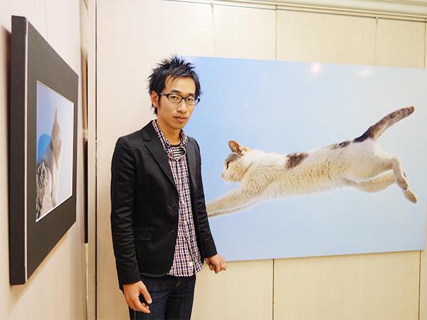 「猫はいろんなところにジャンプしていくので、背景にバリエーションがあるのもおもしろいですね」と五十嵐さん
