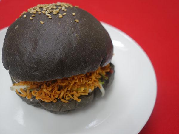 池炭バーガー350円
