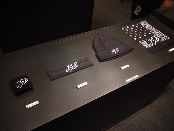 「J.S.B. DREAM」のMVでも着用しているバンダナ(2,484円)