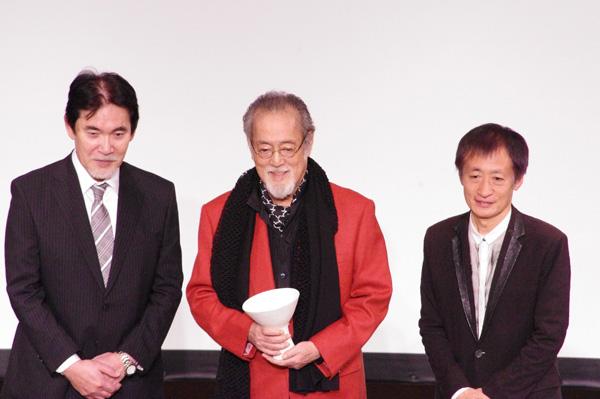 三船史郎と奥山和由に祝福される仲代達矢