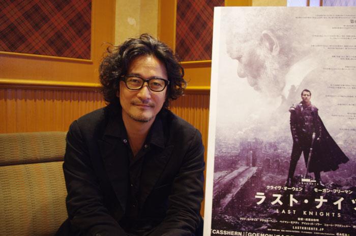 インタビューに応じた紀里谷和明監督