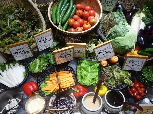 近隣で採れた野菜がたっぷり
