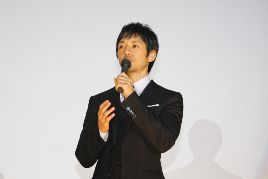 急遽、大阪で舞台挨拶を行った西島秀俊