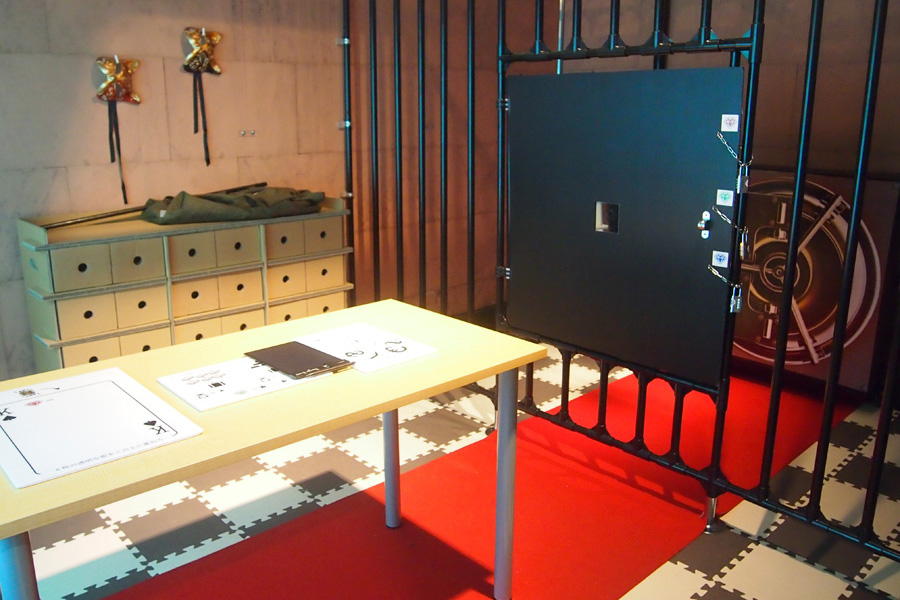 金庫破りや懺悔室、寝室、アジトなどさまざまなシチュエーションの部屋