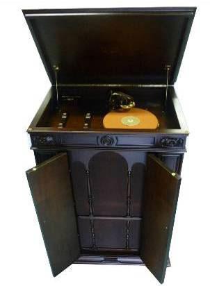 蓄音機の最高峰「ビクトローラ・クレデンザ」
