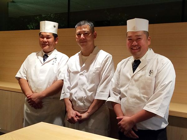 左から、黒杉章宏さん、谷九[鮨 原正]の石川功さん、[老松 喜多川]の喜多川達さん。この日はプレオープンゆえの豪華メンバーでした