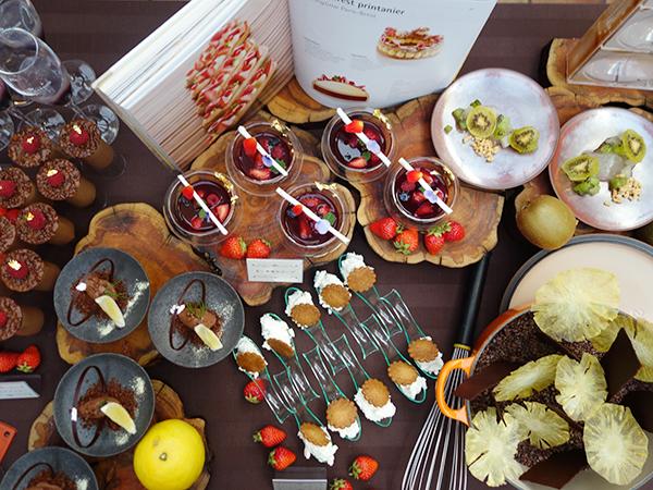 ドリンクには、世界一の朝食に登場するフルーツや野菜のジュースのほか、ノンアルコールカクテルも