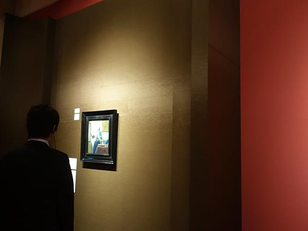 ヨハネス・フェルメール《水差しを持つ女》が展示されるのは風俗画家たちの部屋で