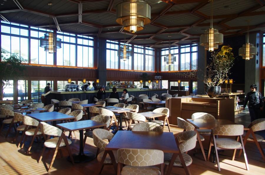 2階には京都の食を堪能できるカフェ&レストラン「京都モダンテラス」がオープン