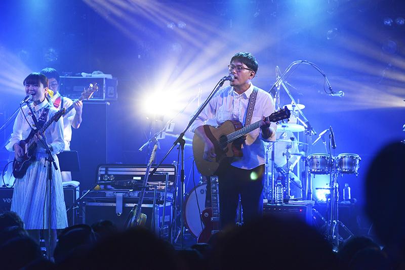 KIRINJI・堀込高樹、梅田クラブクアトロ『KIRINJI LIVE 2015』より(写真/倉科直弘)