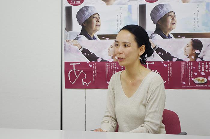 インタビューに答える河瀬直美監督