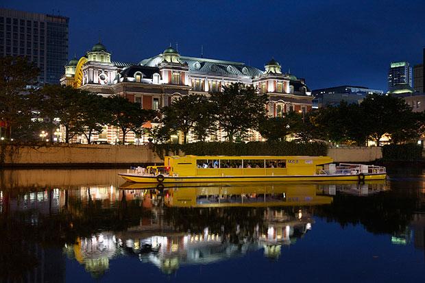 大阪市中央公会堂のライトアップと大阪環状船