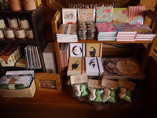 奈良ならではの雑貨が山ほど