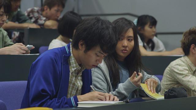 映画『マンガ肉と僕』の一場面 © 吉本興業
