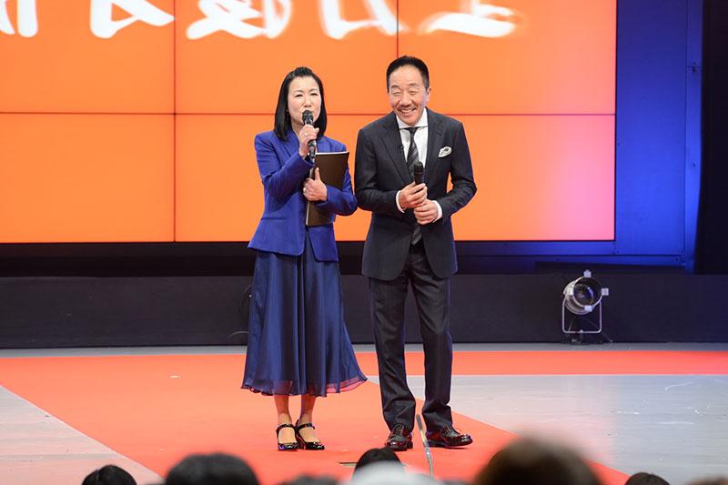 司会を務めたのは、上方漫才協会会長の中田カウスと、ハイヒール リンゴ