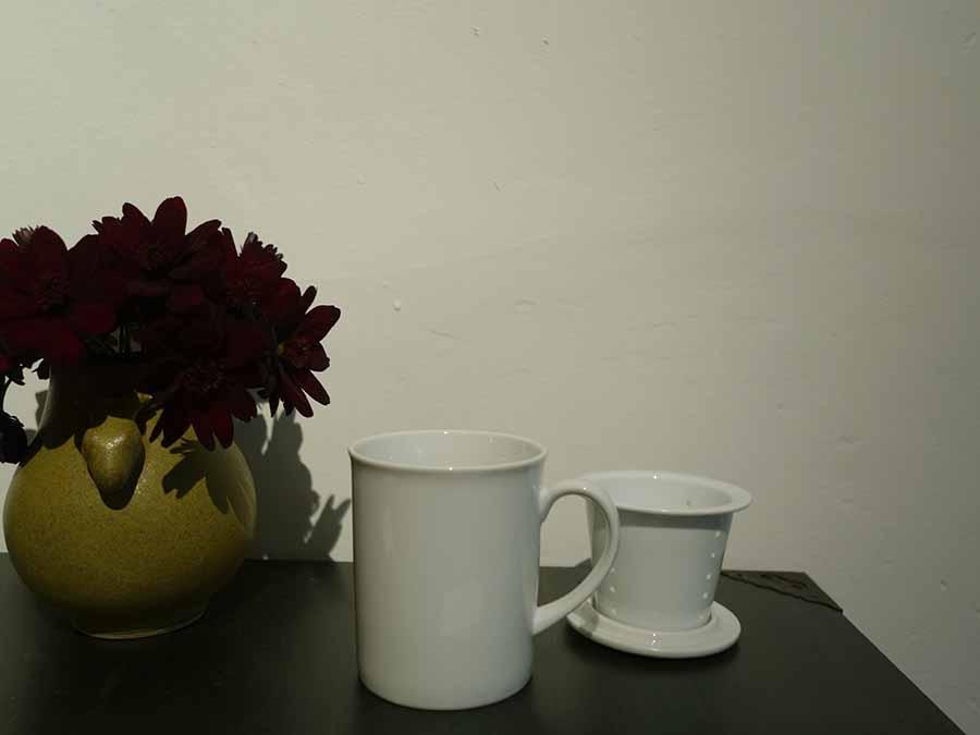 何煎も楽しめるように、茶こし付きマグカップ1,200円