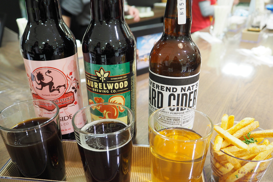 2つの限定クラフトビールと、ポートランドでいま注目されているりんごの発酵酒・ハードサイダーを飲み比べできるセット(ポテト付)1,296円
