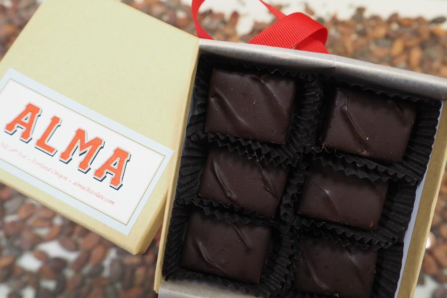 「アルマチョコレート」のクラフトビアチョコレート2,160円(限定1,000箱)