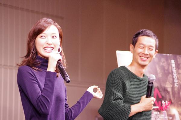 イベントでは終始笑顔だった戸田恵梨香と加瀬亮
