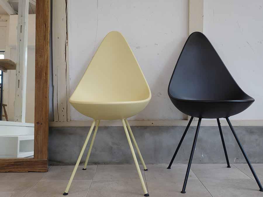 背もたれが涙型のドロップチェアは1958年にコペンハーゲンのホテルのためにデザインした椅子。50年以上も一般に販売されることがなかったこの幻のチェアが、昨年遂に復刻された。43,000円