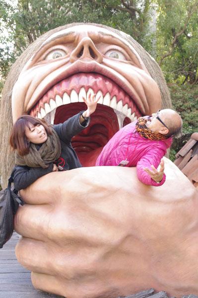 一気に口に運ばれてしまいそうなほどリアルな捕食巨人  © 諫山創・講談社/「進撃の巨人」製作委員会