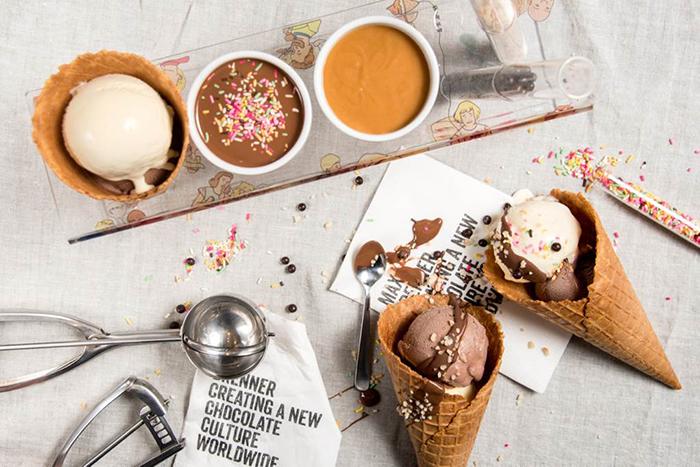 トッピングできるアイスクリームセット「エスキモー」(1,000円)