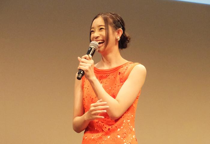 『ブーケなんていらない!』で主演を務めた足立梨花もゲストで登場