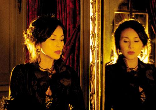 『花と蛇2 パリ/静子』より(© 2005 東映ビデオ)