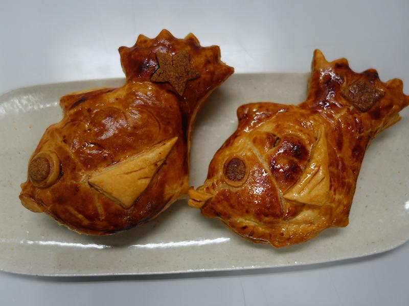 「なにわ鯛焼きパイ」(各248円)