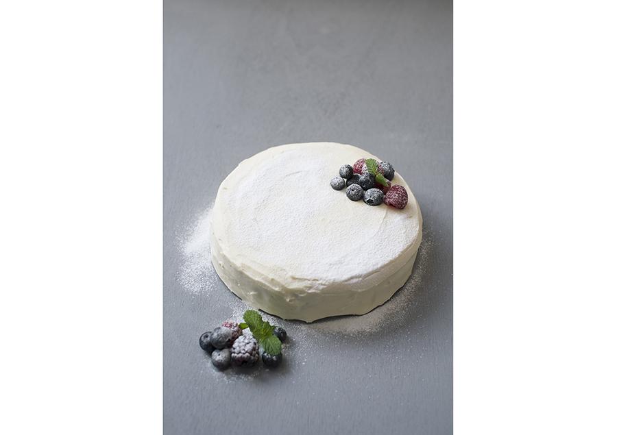 見た目はケーキそのまんま、ベリーのケーキイッチ