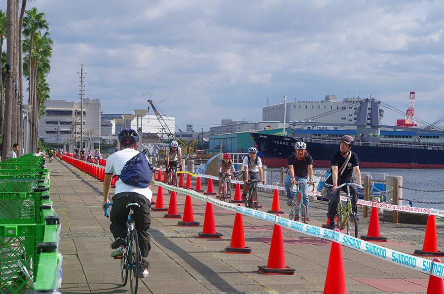往復2kmのコースで自転車の乗り心地を体感できる(過去のイベントより)