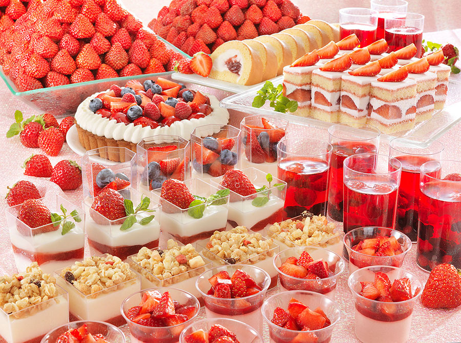 ホテルグランヴィア京都の『スイーツバイキング〜Strawberry Collection〜』。新作としては「苺ヨーグルトドリンク」などが登場