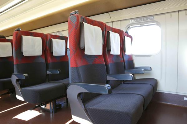 普通車(指定席・自由席)も最新型で快適さは抜群