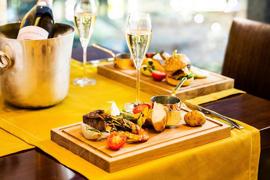 インターコンチネンタルホテル大阪1月にリニューアルし、メインの料理をグリル料理に。それに合わせての新プランだ