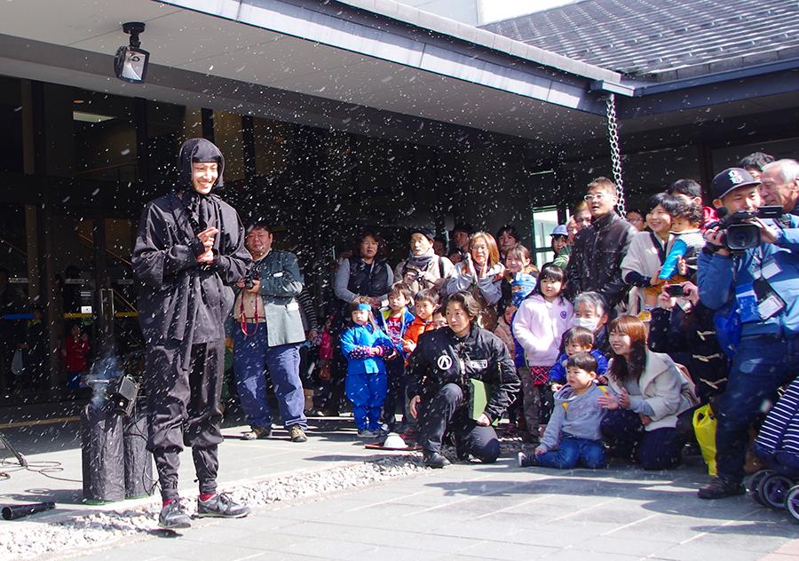 『甲賀流忍者復活祭』忍者パフォーマンスの様子
