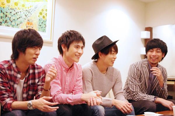 左から第一期メンバーの竹下健人、村川勁剛、松井勇歩、中山義紘