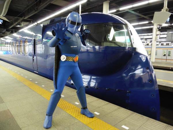 南海電鉄から新しいイメージキャラクター「ラピートルジャー」が誕生