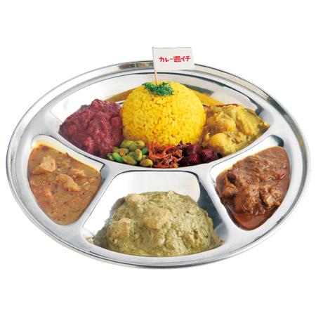 「カレー週イチ」のスリランカチキン、パクチーチキンの定番2種に、週替わりカレー3種+総菜で1,200円