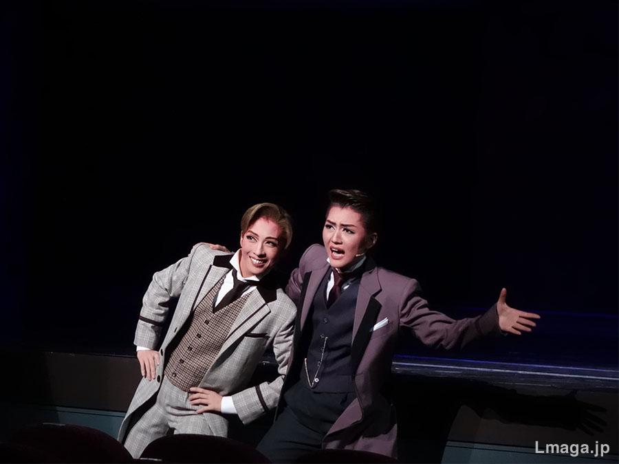 明日海りおと芹香斗亜、親友役を演じる二人