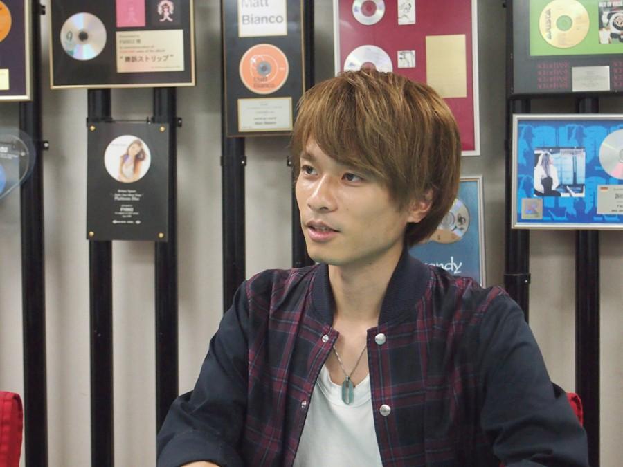 ピアノボーカルの杉本雄治さん