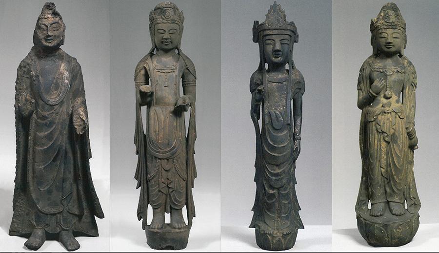 左から如来立像(飛鳥時代)、観音菩薩立像(白凰時代)、菩薩立像(白凰時代)、観音菩薩立像(天平時代)