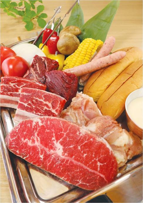 「天壇BBQコース」または「天壇 焼肉コース」「サムギョプサルコース」の全3種からセレクト(ひとり5,000円、飲み放題付、6月中旬から予約受付スタート)